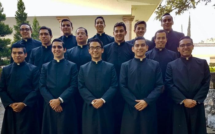 Nuevos ingresos de jóvenes al noviciado de la Legión de Cristo en Monterrey